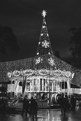 Film: Christmas Lights (rafa.esteve) Tags: film 400tmx kodak tmax blackandwhite kodaktmax400