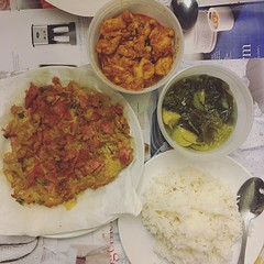"""มื้อดึกของคนรวย """"ไข่เจียวพริกขี้หนู+แฮม"""" / """"ต้มผักกาดดอง""""/แพนงไก่ with @kp_kopter"""