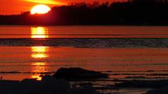 Sunset on the seashore (Lauttasaari, Helsinki, 20170305) (RainoL) Tags: 2017 201703 20170305 balticsea drumsö fin finland fz200 geo:lat=6015035948 geo:lon=2486923693 geotagged helsingfors helsinki hevosenkenkälahti hästskoviken ice lauttasaari march nyland sea seashore sunset tiiraluoto tirklacken uusimaa water winter