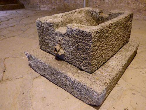 Girne - castle Roman shipwreck, quern