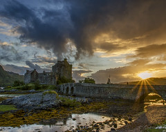 Eilean Donan sunset (kidda63) Tags: sunset castle clouds scotland eileandonan