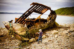 Looking for the Pirates rum. (broadswordcallingdannyboy) Tags: family holiday beach kids canon children fun scotland highlands child play scottish siblings loch wilderness playtime canoneos torridon canonlens scottishbeach kidsinaction scottishsummer scottishloch northwesthighlands childrenandnature leonreilly eos7d thedayspring lightroom4 leonreillyphotography