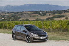 Test-Drive of Kia cee'd line in Italy (Kia Motors Worldwide) Tags: auto cars car automotive vehicles kia ceed automibile passengercar proceed kiamotors kiacar thekia kiacars ceedsw ceedgt kia2015