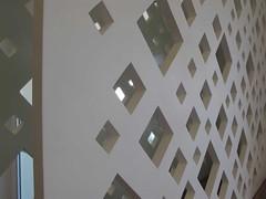 makstudio-arquitetura-apartamento-campo-belo-aluguel-close-painel (makstudio2015) Tags: reflexo painelrecortado marcenaria laser laca detalhe espelho losango quadrados makstudio arquiteturainteriores apartamentopequeno painelmadeira