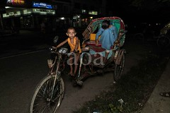 H502_2264 (bandashing) Tags: poverty road street england night dark children manchester play sister brother poor nightlife rickshaw sylhet bangladesh socialdocumentary aoa tajpur bandashing akhtarowaisahmed