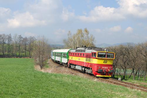 """ČD 750.022-6, Sp 1643 """"Radhošť"""", Mořkov, 323"""