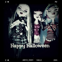 Happy Halloween! (moonwingscollector) Tags: monster doll mh collector
