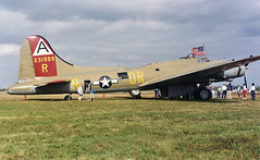B-17 Flying Fortress (Infinity & Beyond Photography) Tags: flying wwii b17 boeing bomber fortress warbird tmb tamiami