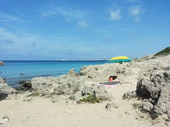 The beach umbrella (norella.giorgia) Tags: sea summer sun beach italia estate sole gallipoli puglia ombrellone