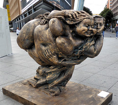 Floating (Gertrud K.) Tags: berlin sculptures xuhongfei