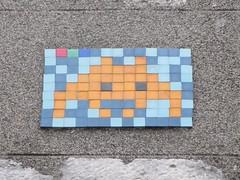 Space Invader PAU_04 (tofz4u) Tags: blue streetart france yellow jaune tile mosaic spaceinvader spaceinvaders 64 bleu invader pau mosaque artderue sudouest aquitaine pyrnesatlantiques pau04