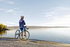 Shades of Blue (olamorken) Tags: canon seaside cx merida bikerider diadora shadesofblue 1dx haslelren kaskhelmets