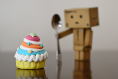 Danbo loves candies (ciccioetneo) Tags: cake candy bokeh shallowdof danbo toyphotography nikkor2470mmf28 danboard nikkor2470mm revoltechdanboard nikond3100 ciccioetneo japancojp