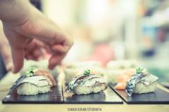 Momiji cocina japonesa (niguiri) (MaxiKohan) Tags: food cooking valencia sushi cuisine japanese restaurant comida momiji japanesecuisine mercadodecoln niguiri cocinajaponesa maxikohanphotography