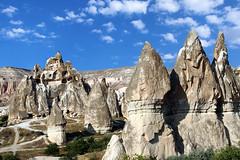 cappadocia 3 (maxlancio) Tags: turkey valle fate roccia rocce colori cappadocia spettacolo camini goreme turchia kapadokya dellamore
