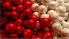 ballen ballen DSCI8531 (aad.born) Tags: christmas xmas weihnachten navidad noel  tuin engel nol natale  kerstmis kerstboom kerst boi kerststal  kribbe versiering kerstshow  kerstversiering kerstballen kersfees kerstdecoratie tuincentrum kerstengel  attributen kerstkind kerstgroep aadborn nativitatis