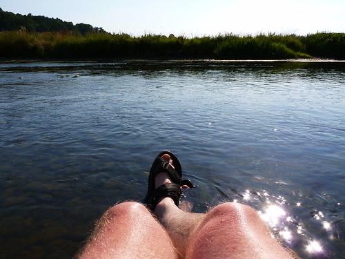 Les pieds dans l'Ourthe