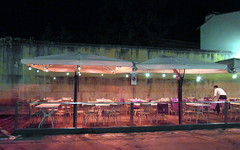 oltrarno night cafe (kexi) Tags: florencja firenze italy europe toscany tuscany night cafe empty pink oltrarno october 2015 samsung wb690 lights instantfave wallpaper