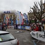 Ligne de départ de la course, place du théâtre Le Cratère/Etoile de Bessèges 2017/5eme étape Alès-Ermitage Contre la montre thumbnail