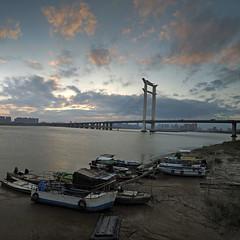 Jinjiang bridge sunset.(_B013853-6_2+) (Minaol) Tags: china fujian quanzhou jinjiang bridge sunset 泉州 刺桐古城 晋江大桥 霞光 晚霞