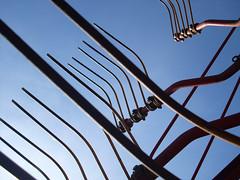 Sky Forks (Ed Sax) Tags: sky fork gabeln heuwender hay blue black agricultur landwirtschaft heueenrte ernte harvesting technik edsax