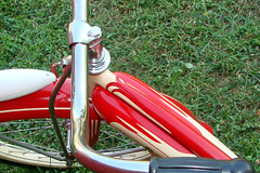 C08509 (centerprairie) Tags: red 1948 bicycle stand tank balloon ivory tire chrome spitfire brake pedals handlebar horn schwinn coaster juvenile rods 1949 saddle dx truss grips bendix 20