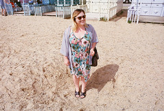om10 - chloe on mersea beach (johnnytakespictures) Tags: ocean sea summer woman sun west cute film beach girl smile sunshine sunglasses smiling island seaside pretty kodak chloe olympus om10 400 analogue seafront essex mersea summery ultramax ultramax400 kodakultramax400 chloelee