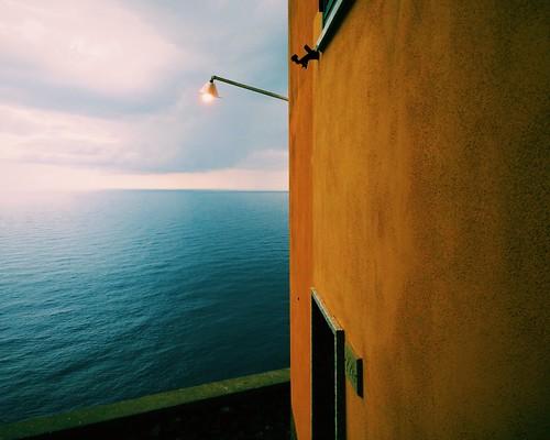 Was man in Cinque Terre fotografieren kann: eine Laterne.