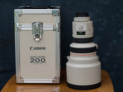 1988 Vintage Canon EF 200mm f1.8 L USM lens (fstop186) Tags: canon vintage lens bokeh legendary trunk l f18 heavy rare ef aluminium collectable 200mm usmlens canonef200mmf18lusm