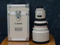 1988 Vintage Canon EF 200mm f1.8 L USM lens (fstop186) Tags: canon vintage lens bokeh legendary trunk l f18 heavy rare ef aluminium collectable 200mm usmlens canonef200mmf18lusm