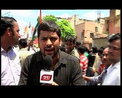 Reporting (avinashsingh1981) Tags: camera anna news tv media political national editorial avinash producer output channel bulletin singh bharti kumar reporting correspondent khabar hazare