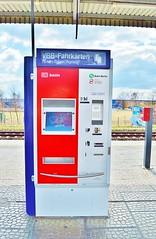 "Der Fahrkartenautomat. Die Fahrkartenautomaten. • <a style=""font-size:0.8em;"" href=""http://www.flickr.com/photos/42554185@N00/22623167897/"" target=""_blank"">View on Flickr</a>"