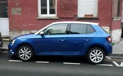 Skoda Fabia bleue toit blanc (gueguette80 ... Définitivement non voyant) Tags: auto cars novembre toit blanc amiens bleue skoda fabia 2015