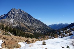 Mt Stuart (Sean Munson) Tags: snow mountains landscape washington hiking stuart nationalforest alpinelakeswilderness mtstuart mountstuart alpinelakeswildernessarea ingallswaytrail ingallsway okanoganwenatcheenationalforest trail1360 ingallswaytrail1360