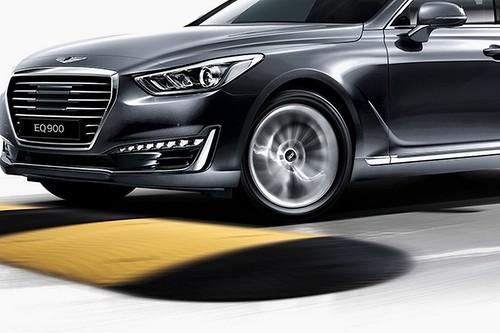 2017-Hyundai-Genesis-G90-2