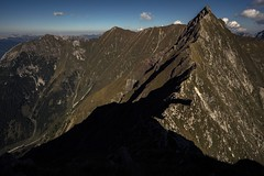 My Path to Pfeilspitze 2469m (Can you see the Cross at the Peak?) (bandit4czm) Tags: lechtal lechtaleralpen bschlaberkreuzspitze elmerkreuzspitze pfeilspitze rotwand2334m ausserfern tirol austria