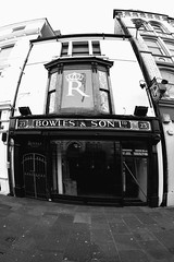 Bowles (Tyrone Williams) Tags: cardiff samyang8mm 8mm canon canon7d street wideangle architecture people insight shoppers capital wales 2017 winter