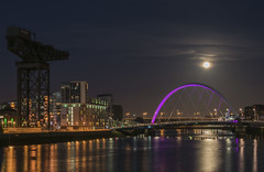 Glasgow (kenimcg107341) Tags: scotland central glasgow squinty bridge nightscape illuminated clydeport river nikon d750 70 300 reflection moon lunar