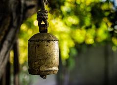 Campana rustica / Rustic bell (Tanty.) Tags: bokeh bell bronze rustic copper profundidaddecampo deepoffield campana rustico bronce cobre desemfoque