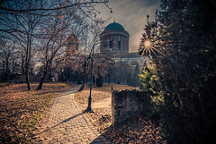 Esztergom (Vagelis Pikoulas) Tags: sun sunshine sunburst esztergom hungary travel landscape church building architecture canon 6d tokina 1628mm november 2016 autumn city