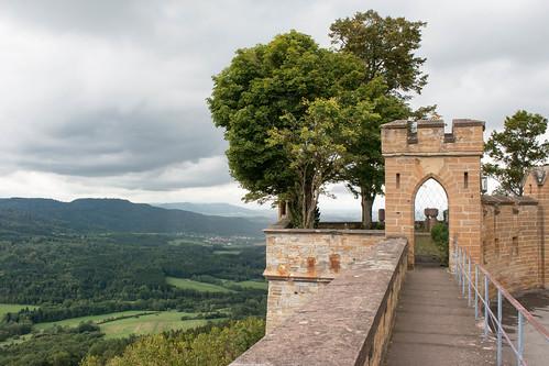 Chemin de ronde au château de Hohenzollern (alt. 855 m)