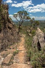 Caminhos de Minas (henriquepilo) Tags: minasgerais canon vale caminhos belo escravos