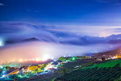 IMG_4496 () Tags: winter sunset sky night clouds photography glow tea taiwan scene alpine wait dslr    jiayi   seaofclouds noctilucent  alisan   formosan   teafield        canon5d2