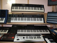 LP158653 (LoxPix2) Tags: boss music studio guitar fender synth roland korg yamaha emu gibson akai novation alesis kawai maudio behringer kurzweil teisco ensoniq tapco rogerlinn loxpix