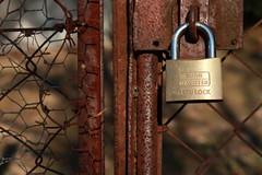 cadenas🔓 (bulbocode909) Tags: cadenas portes grillages ferrailles rouille