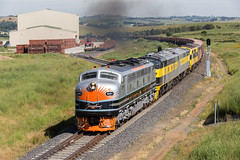 2016-12-04 SSR B61-S317-GM27-GM10-S302 Blayney Sealink Siding 8778 (deanoj305) Tags: blayney newsouthwales australia au 8778 coal wagon transfer ssr southern shorthaul railroad b61 s317 gm27 gm10 s302 main west line nsw streamliner locomotive train