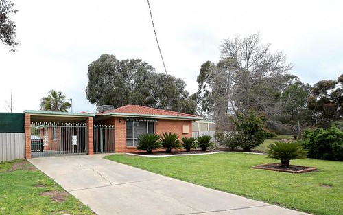 69 Truscott Drive, Wagga Wagga NSW 2650