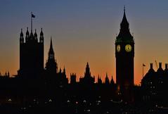 Sun settting on Parliament (tjb7735) Tags: london westminster parliament thames sunset sundown siloutte lights nikon 750 bigben clock bridge