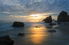 Arena Dorada en El Matador (RichGreenePhotography.com) Tags: elmatadorstatebeach pch pacificocean malibu california sky sand clouds sunset rocks beach tranquil longexposure sun richgreenephotography