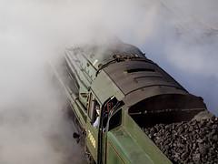 Britannia departs Temple Meads (Nick_Fisher) Tags: bristol temple  royal eisenbahn railway steam locomotive standard vapor chemin fer britannia duchy dampflok ferrocarril meads riddles dampf 70000 vapeur 462 wreathed